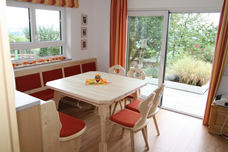 Gemütlichkeit Pur U2013 Eckbank Mit Tisch Und Stühlen Im Landhausstil