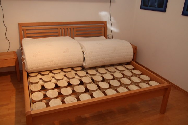 Neues Bett mit Relax 2000 Bettsystem