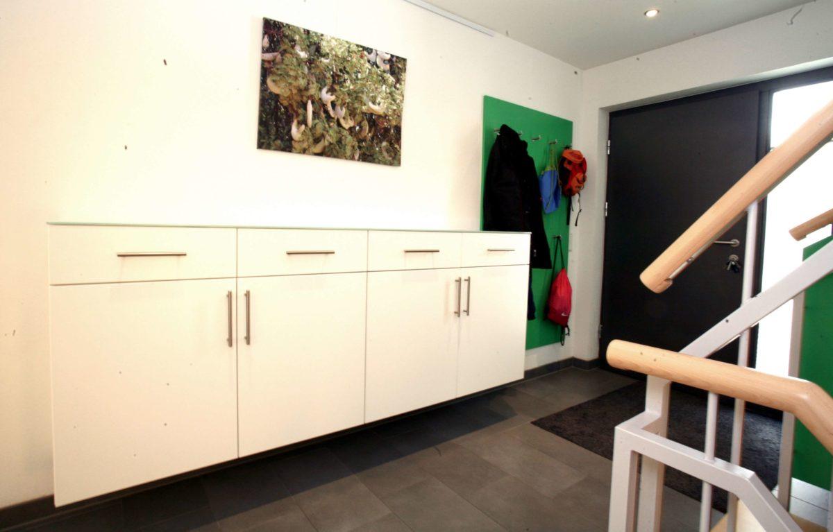 Moderne Garderobenlösung | Sideboard